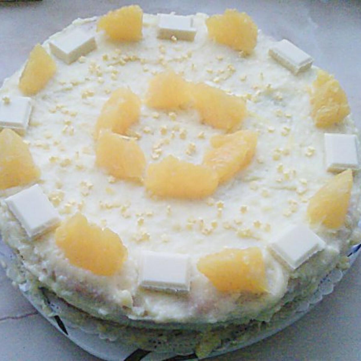 Ezen a képen: Vaníliatorta Zita konyhájából