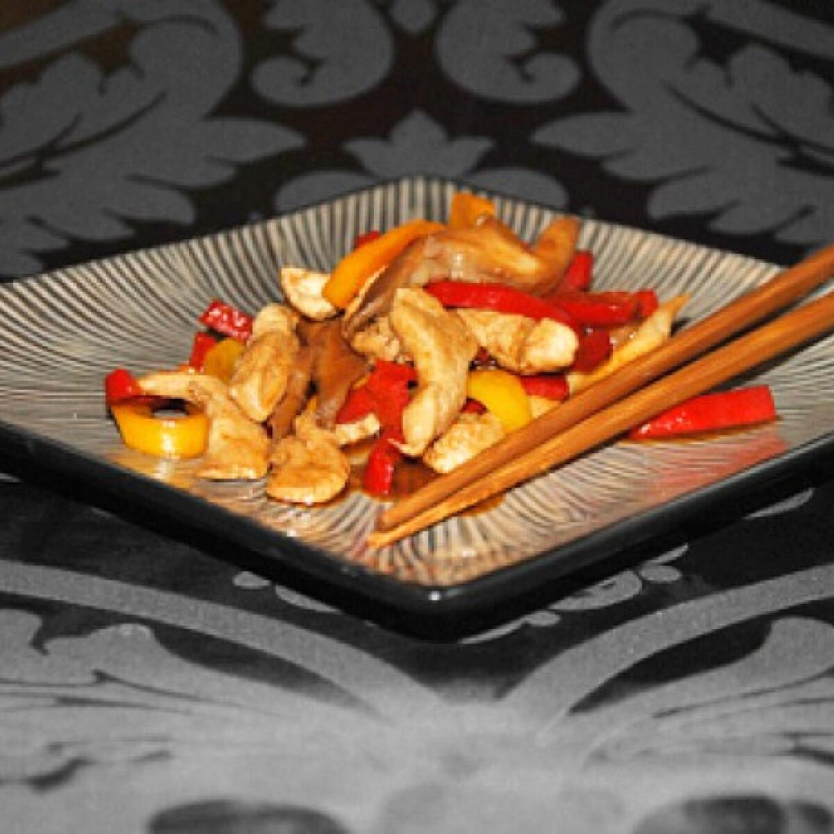 Ezen a képen: Kínai gyömbéres csirke