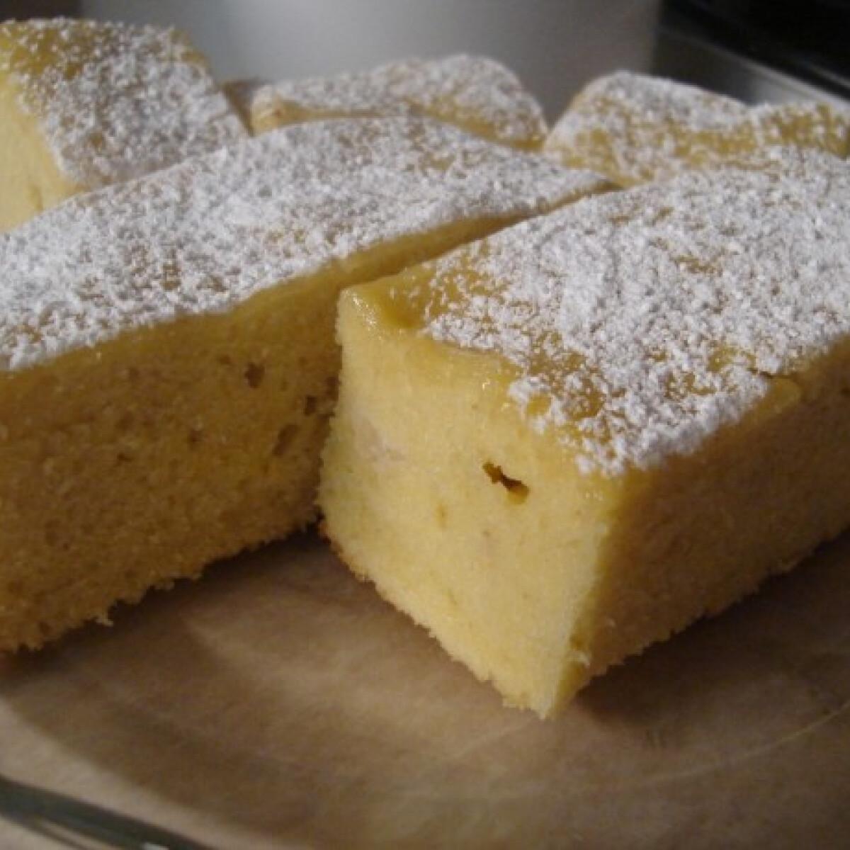 Ezen a képen: Joghurtos szelet Kynga konyhájából