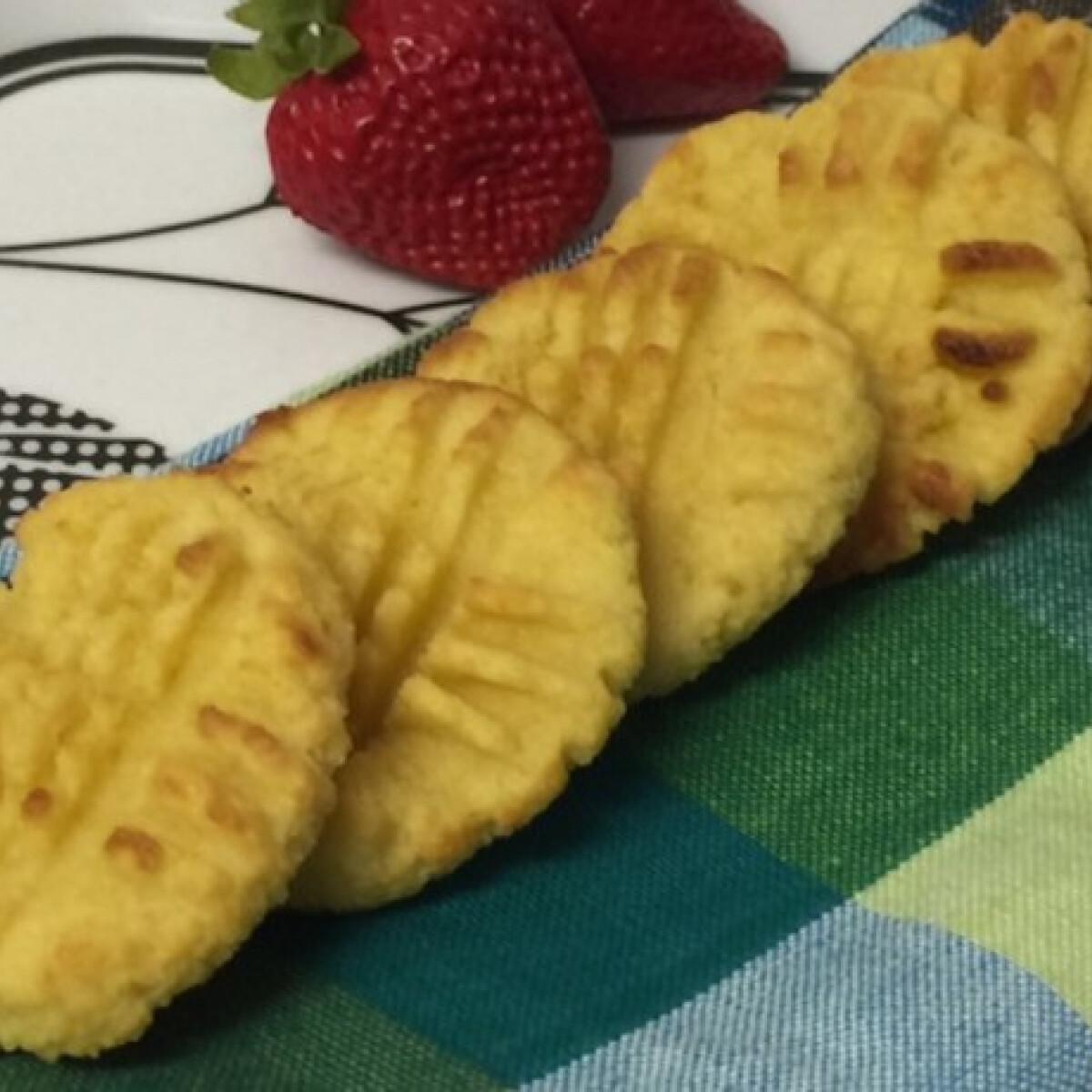 Ezen a képen: Glutén- és cukormentes mandulás keksz 3 hozzávalóból