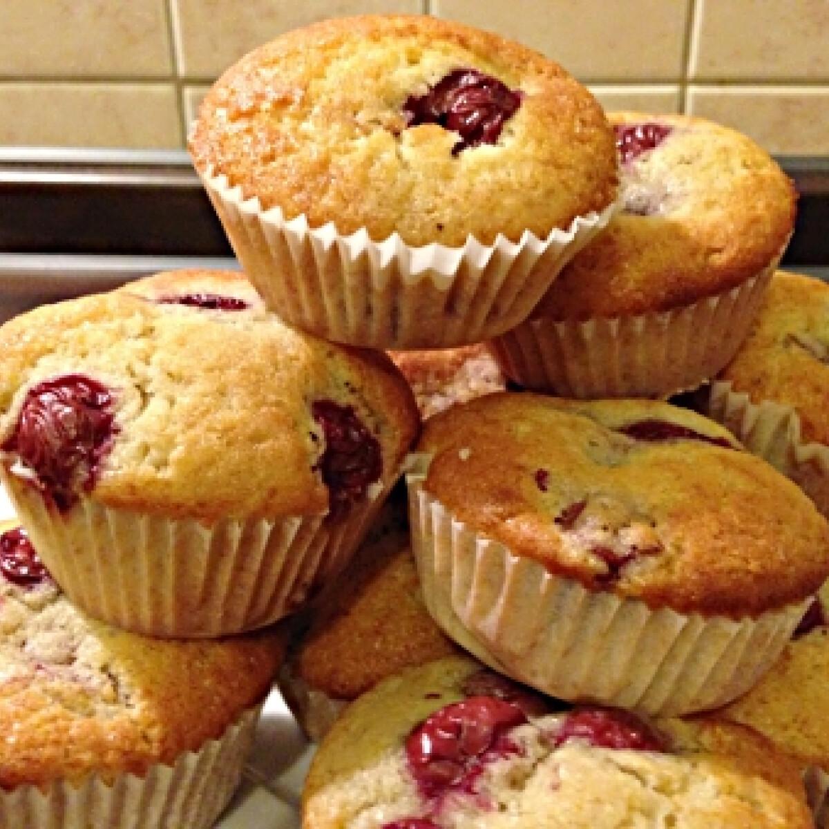 Meggyes muffin HK konyhájából