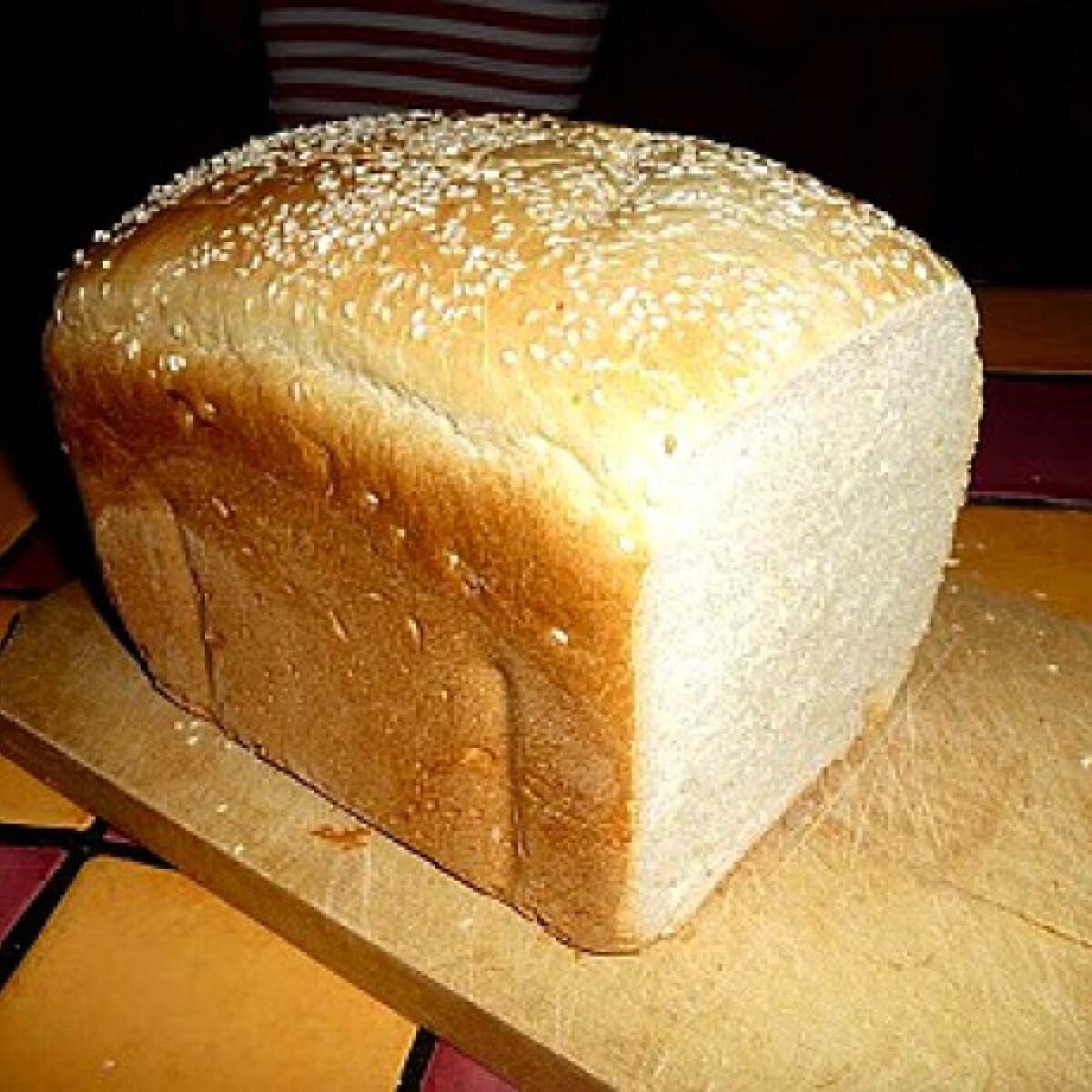 Ezen a képen: Burgonyás-sajtos kenyér