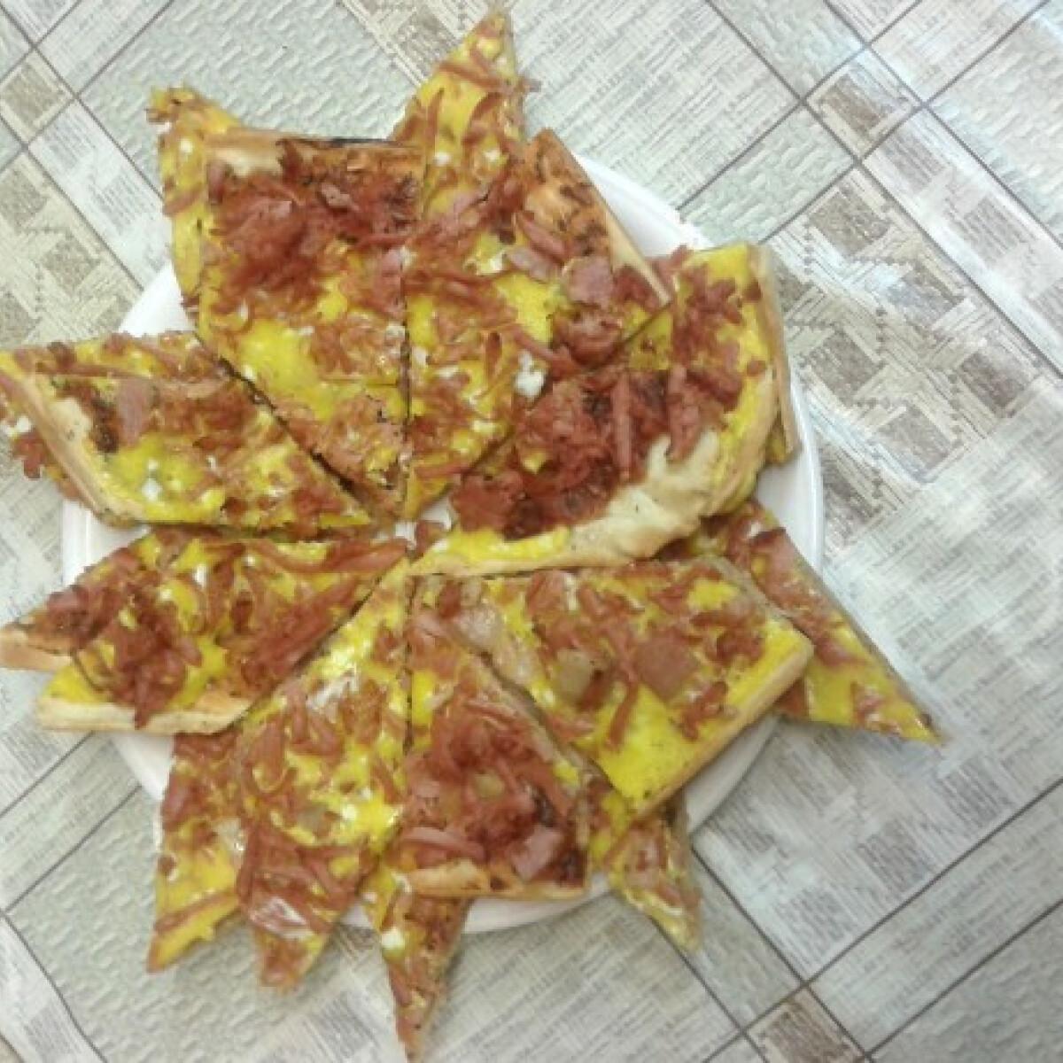 Ezen a képen: Házi pizza Hangman konyhájából