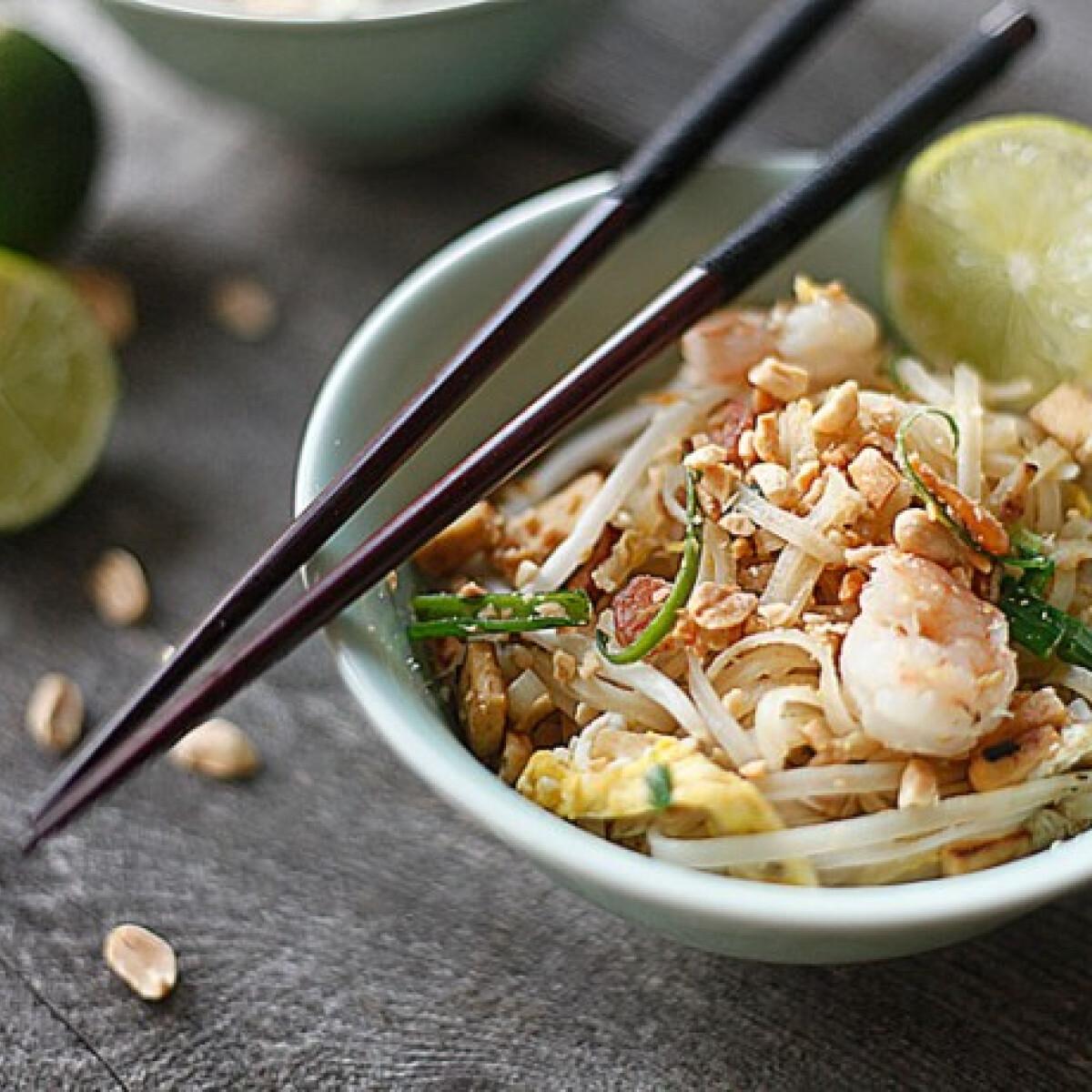 Ezen a képen: Pad thai Dacota konyhájából