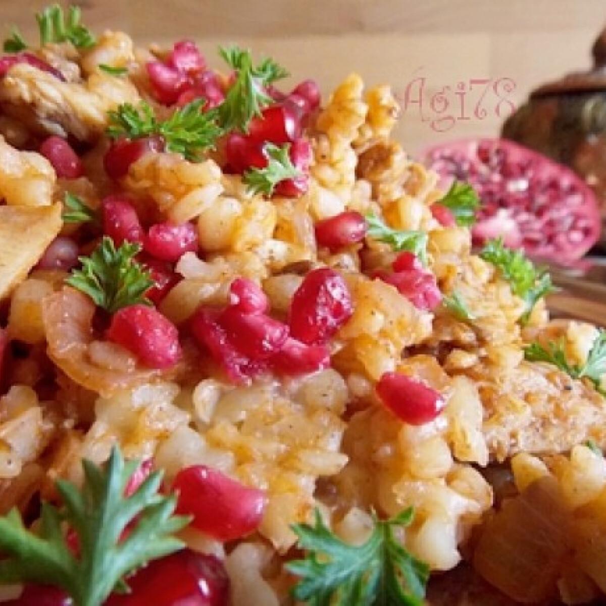 Ezen a képen: Bazargan - csirkés bulgur gránátalmával