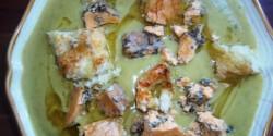 Cukkinikrémleves pirospaprikás-penészes sajttal