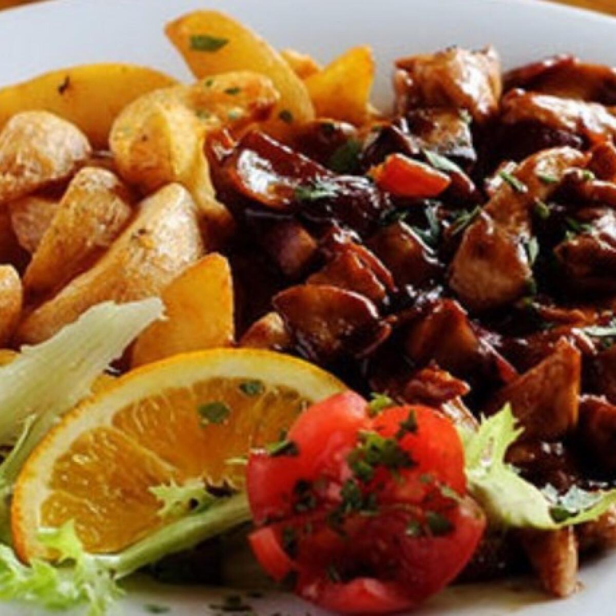 Ezen a képen: Barbecue szószos csirkemellcsíkok gombával