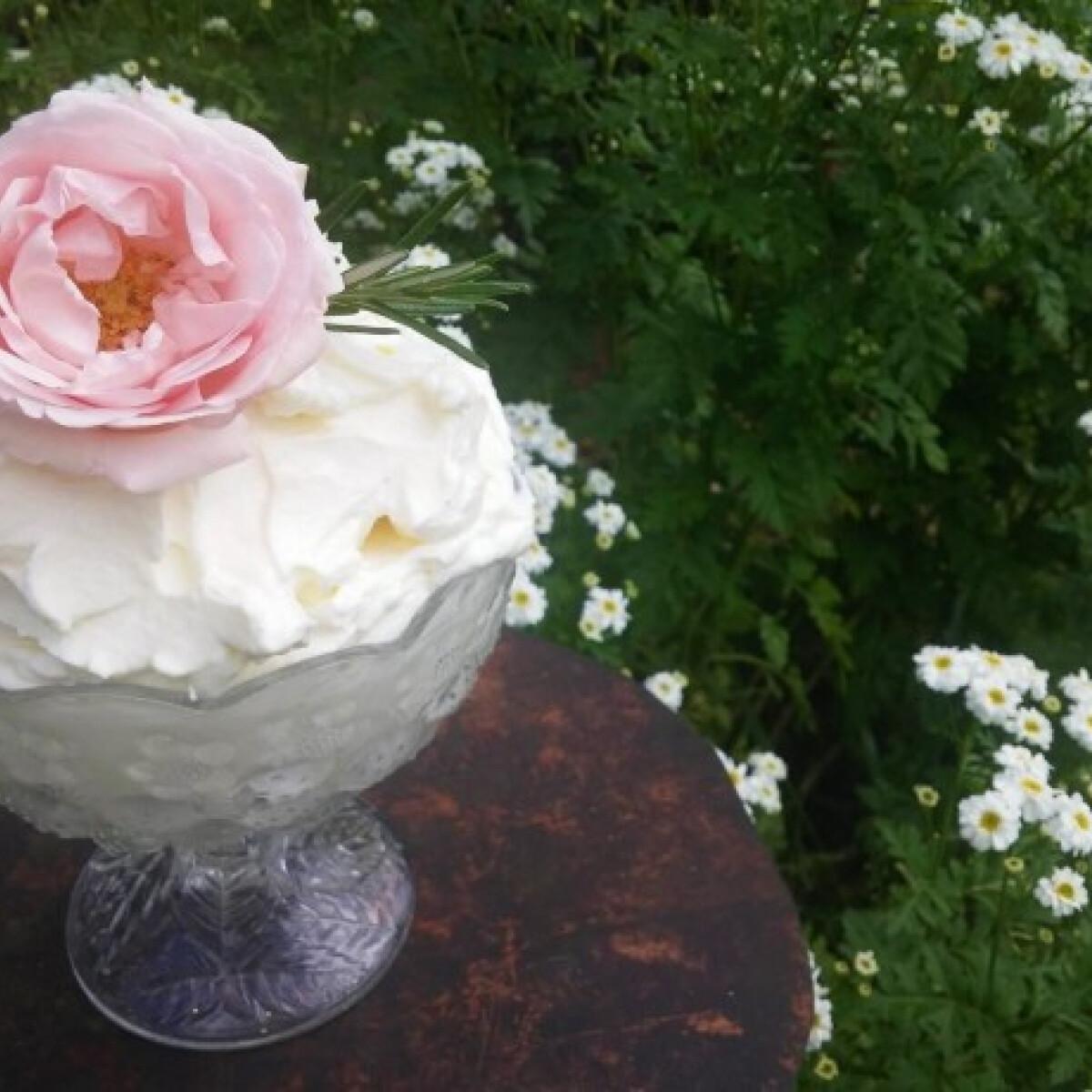 Rózsás tejszínhab