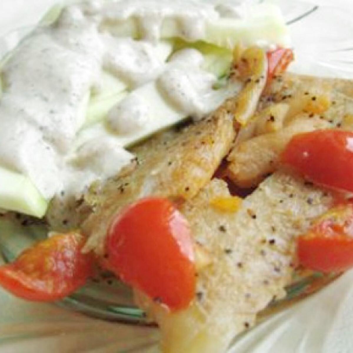 Ezen a képen: Sült hal cukkinikörettel