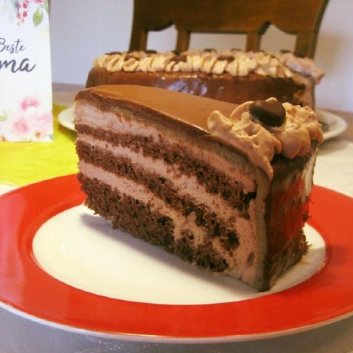Ezen a képen: Marcipános csokoládétorta