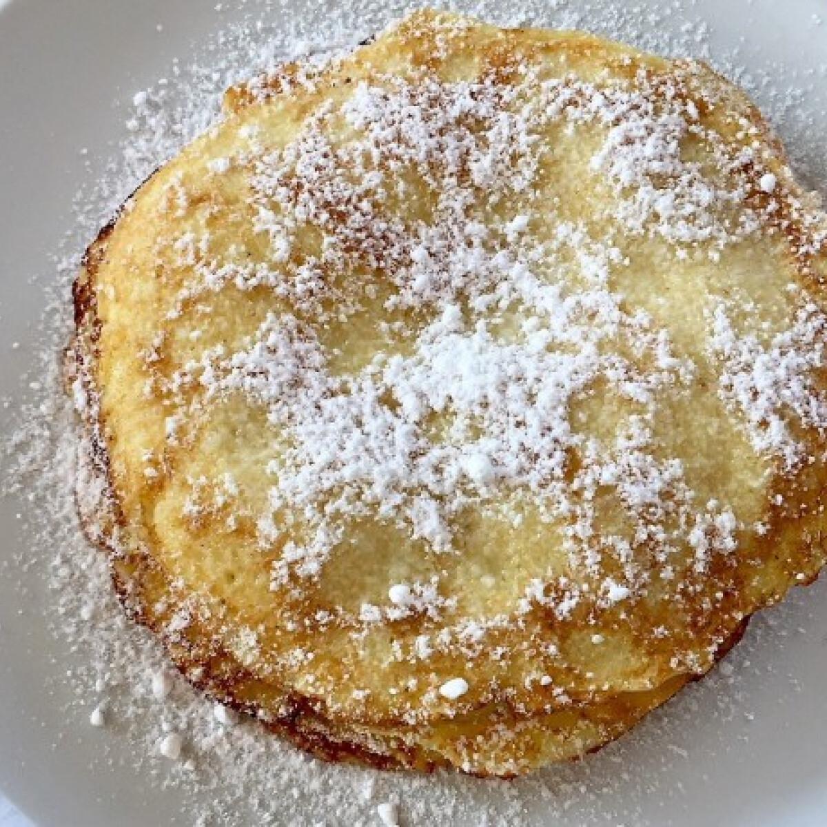 Ezen a képen: Almás palacsinta Pogácsa konyhájából