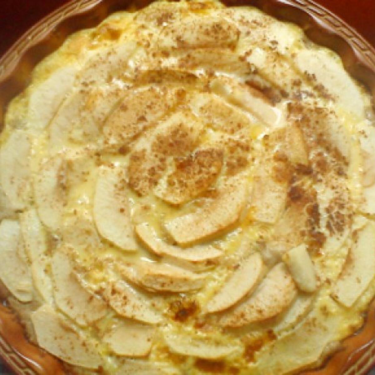 Ezen a képen: Almatorta Virdzsi konyhájából
