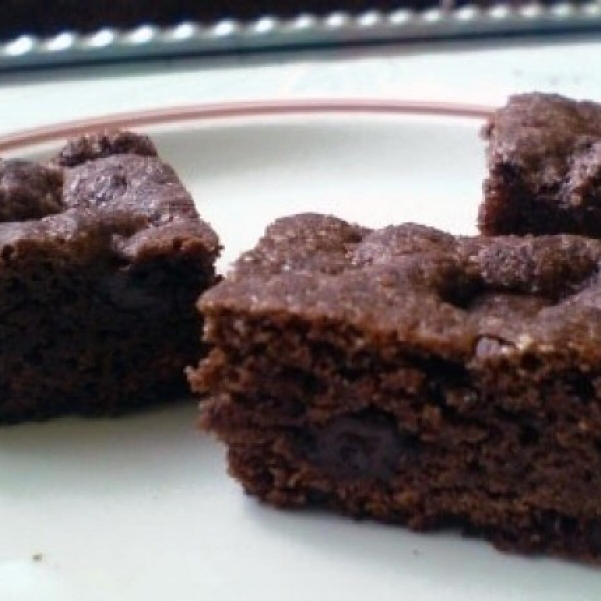 Ezen a képen: Kakaós-csokis süti