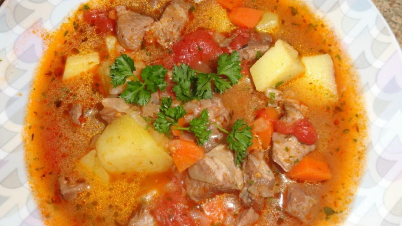 Vörösboros krumplileves sertéshússal