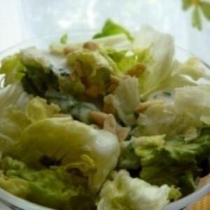 Citromöntetes saláta