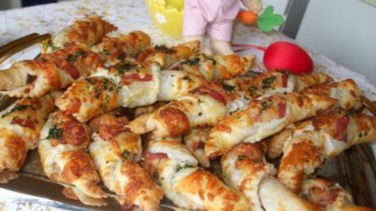 Sonkás-sajtos kiflik leveles tésztából