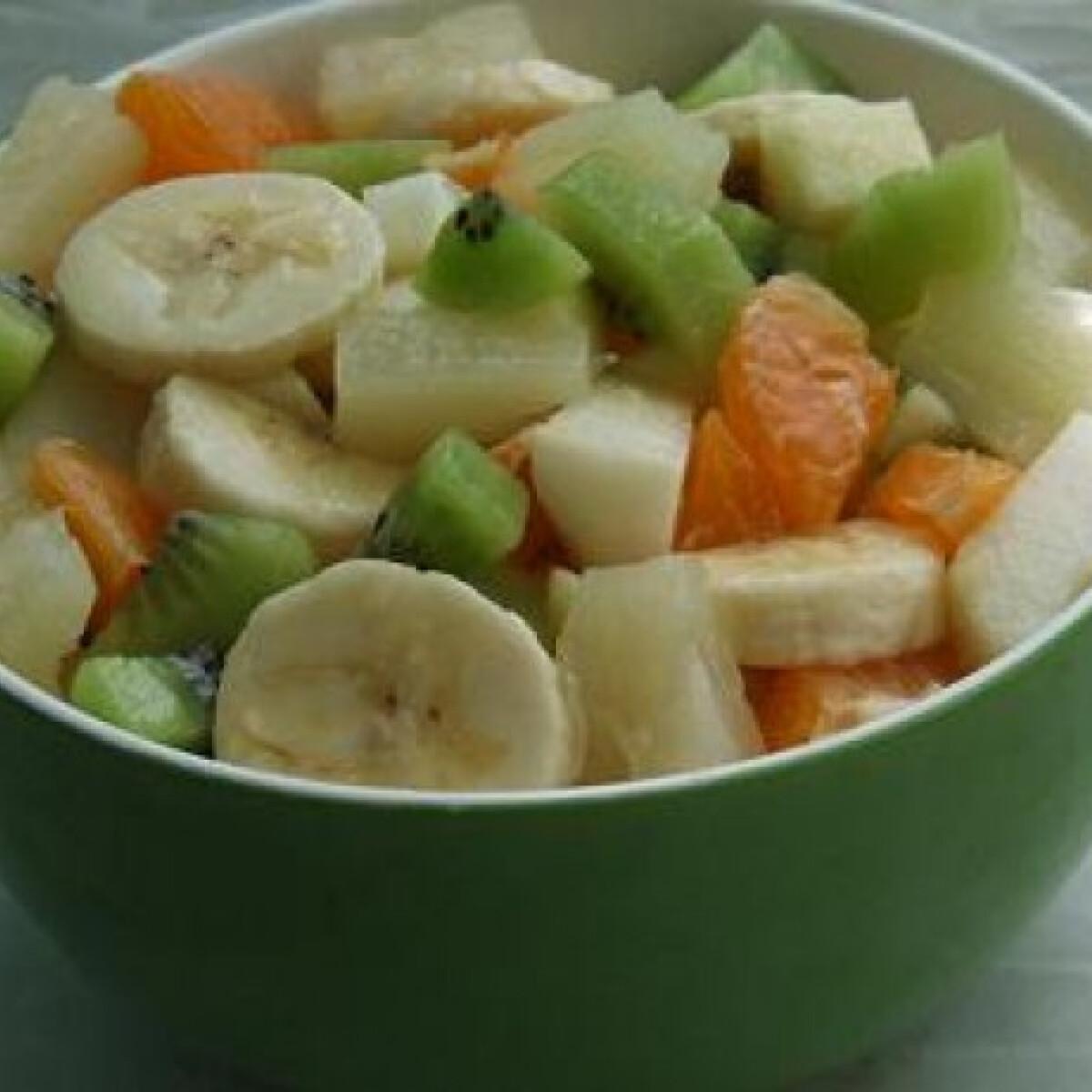Ezen a képen: Januári vitaminsaláta