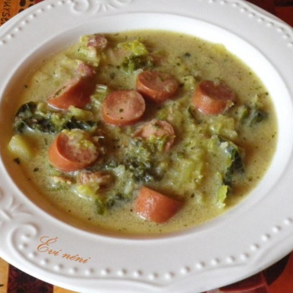 Ezen a képen: Frankfurti leves Évi néni konyhájából