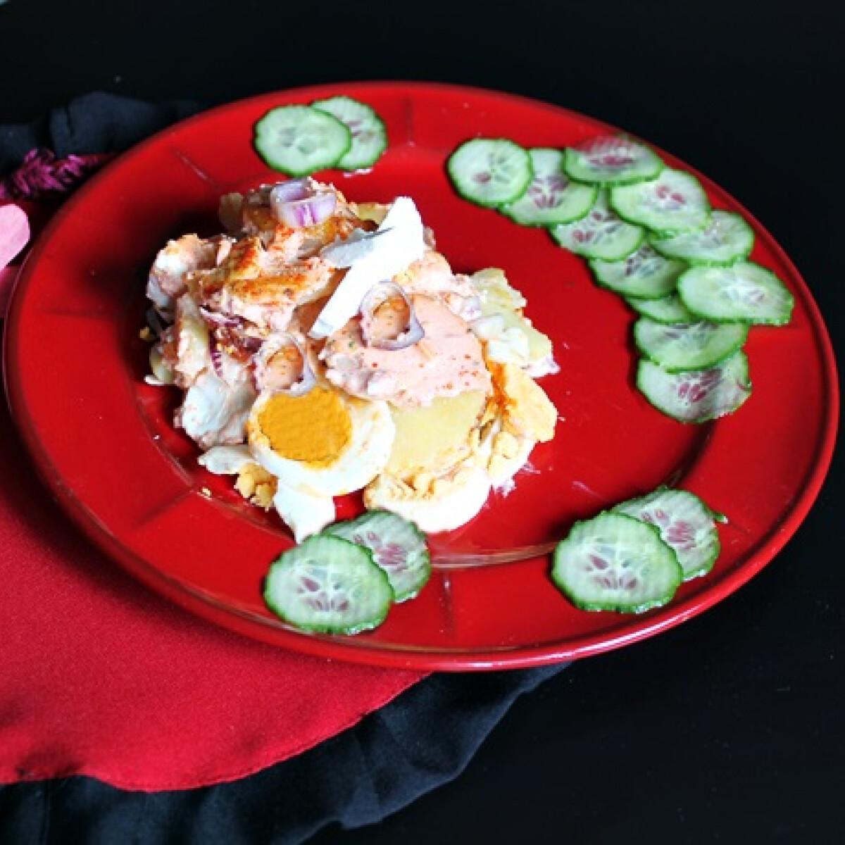 Ezen a képen: Lilahagymás rakott krumpli
