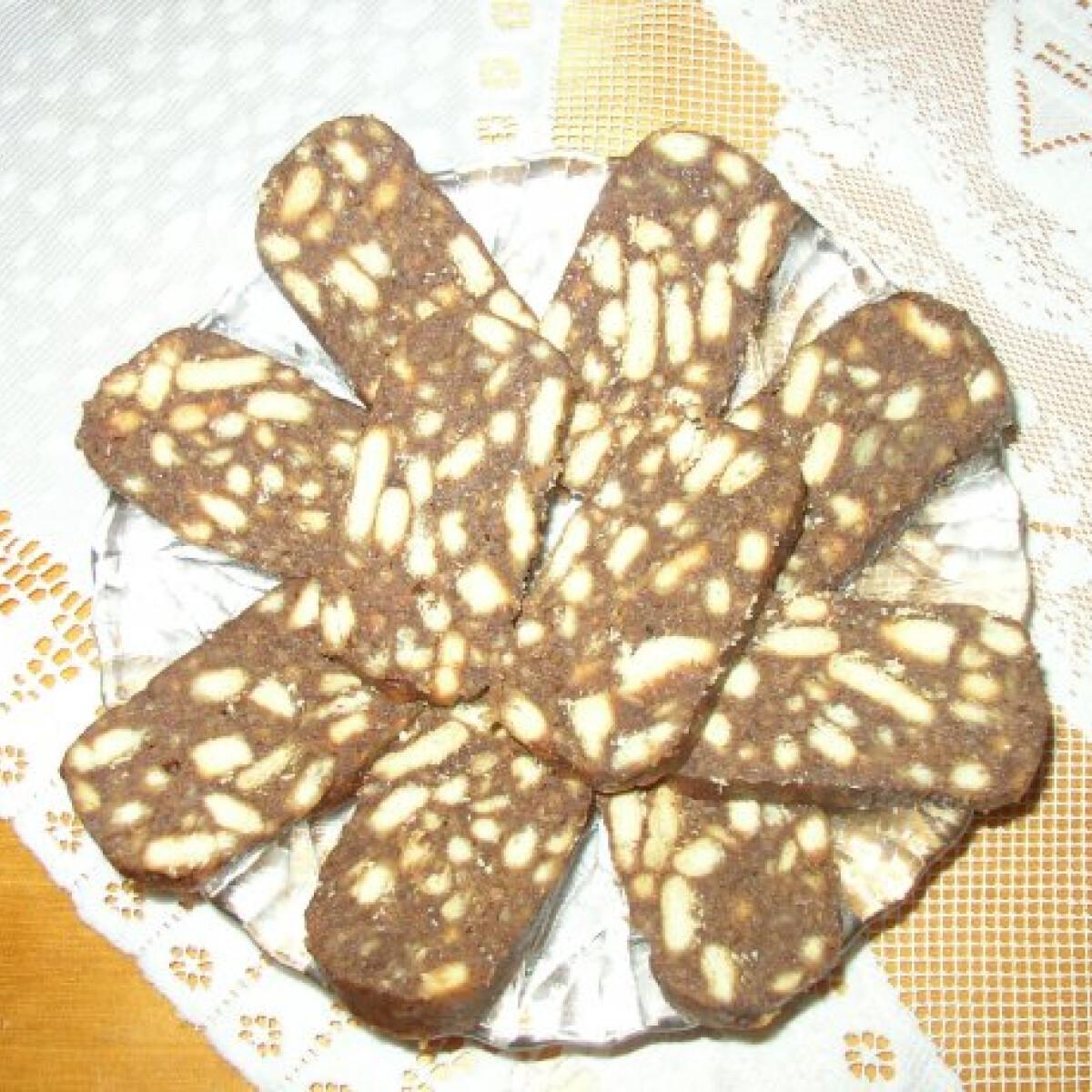 Ezen a képen: Csokis kekszszalámi