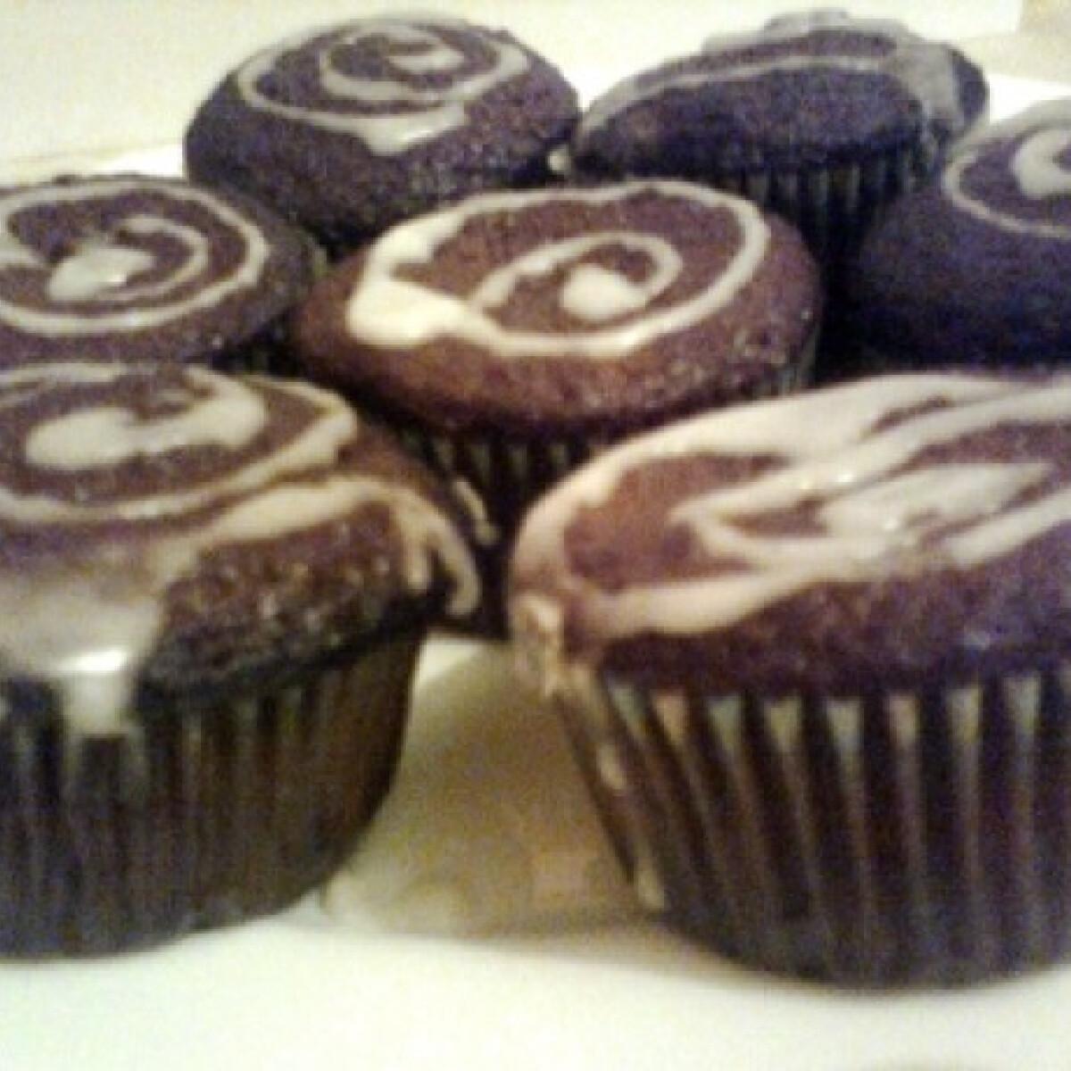 Ezen a képen: Banános-csokis muffin