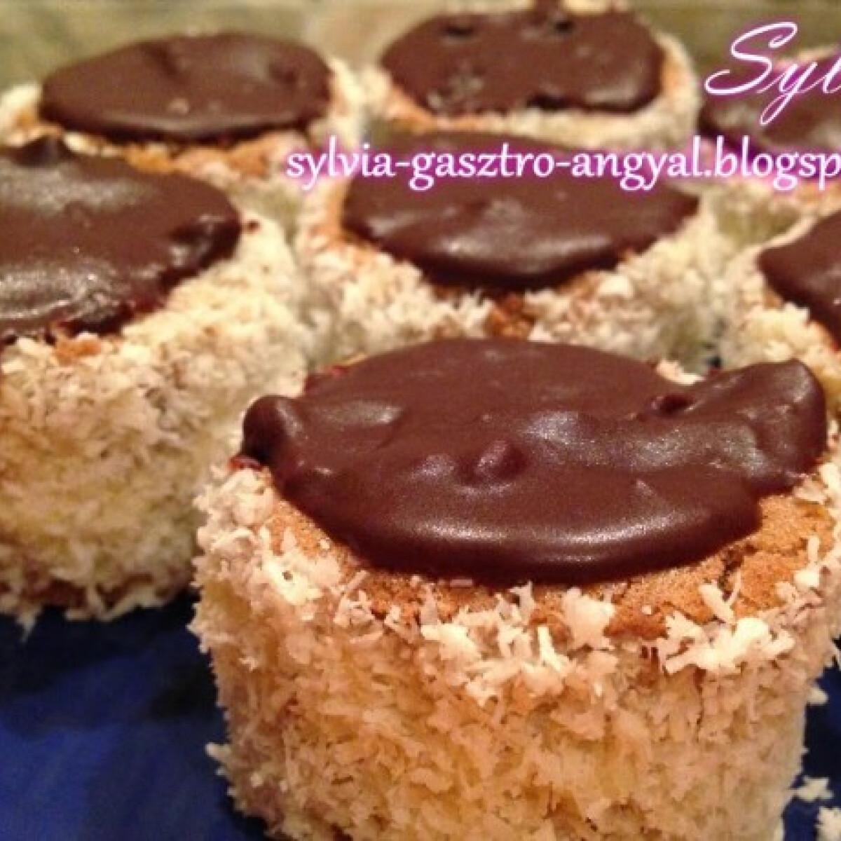 Ezen a képen: Hólabda Sylvia Gasztro Angyal konyhájából