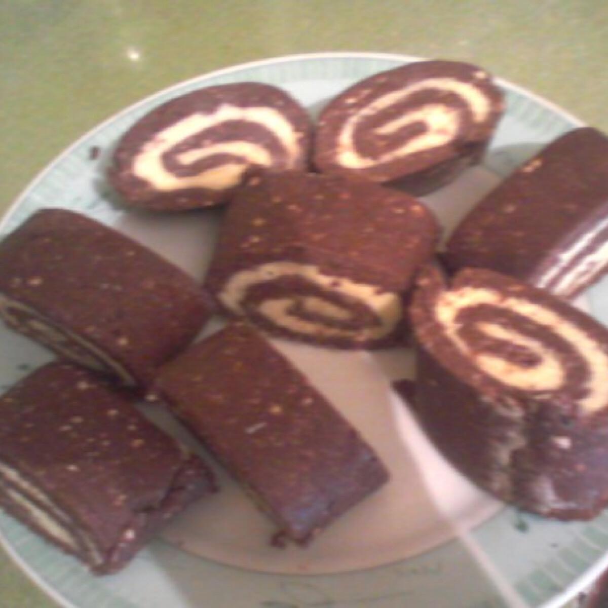 Ezen a képen: Kókuszos keksztekercs Süti konyhájából