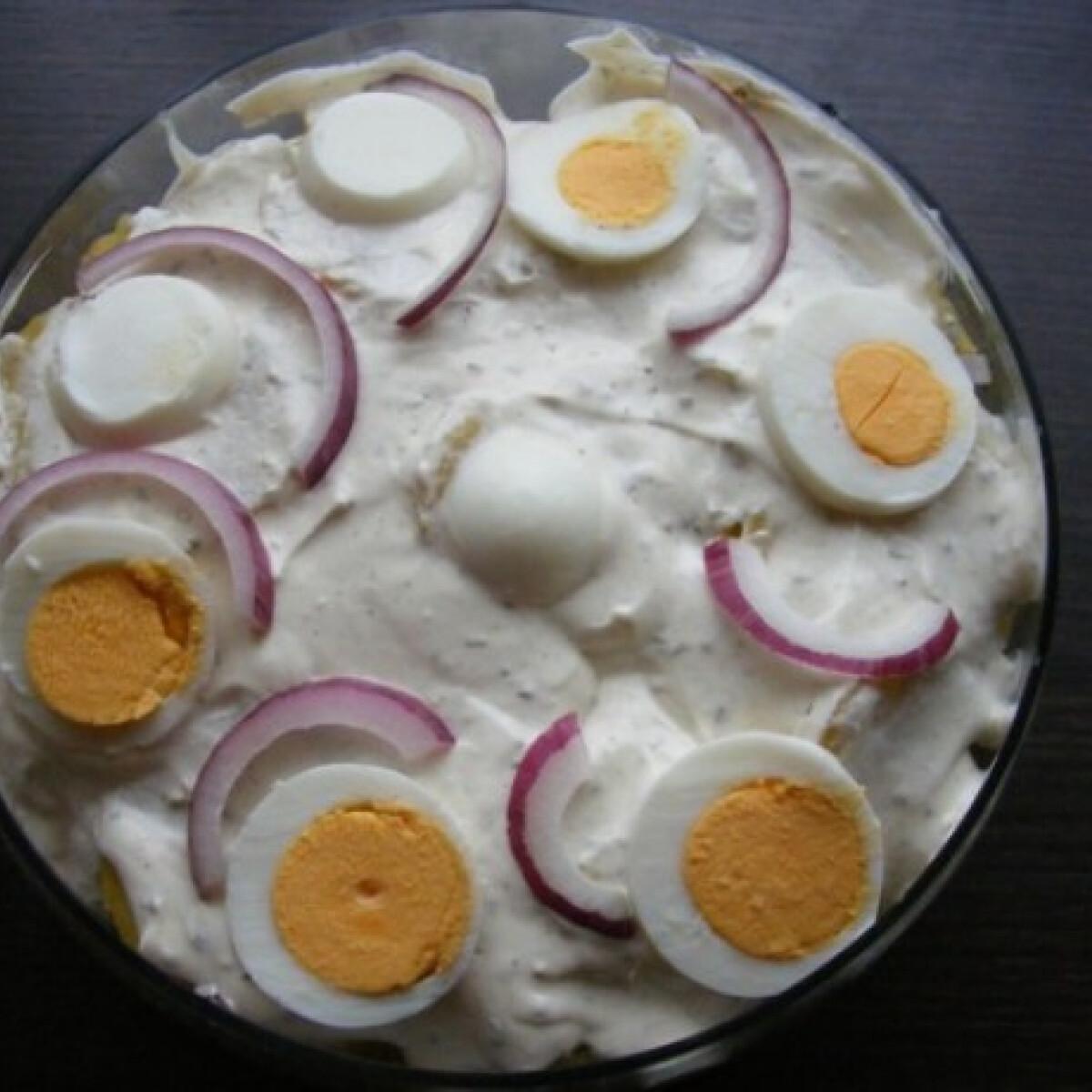 Ezen a képen: Rakott krumplisaláta