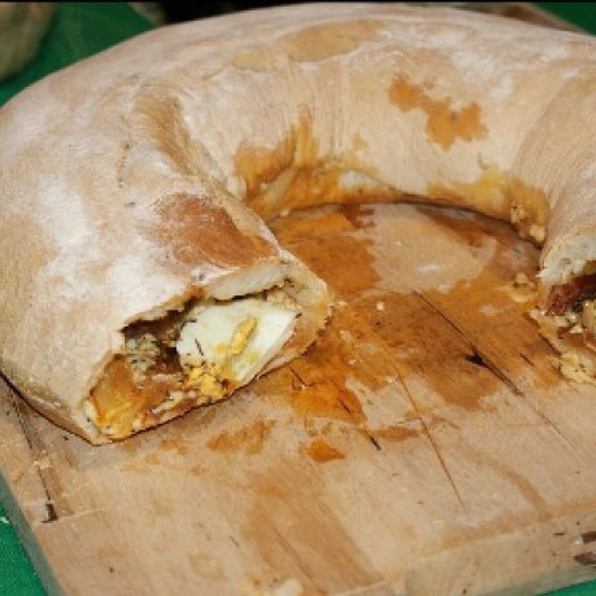 Ezen a képen: Töltött kenyérkuglóf