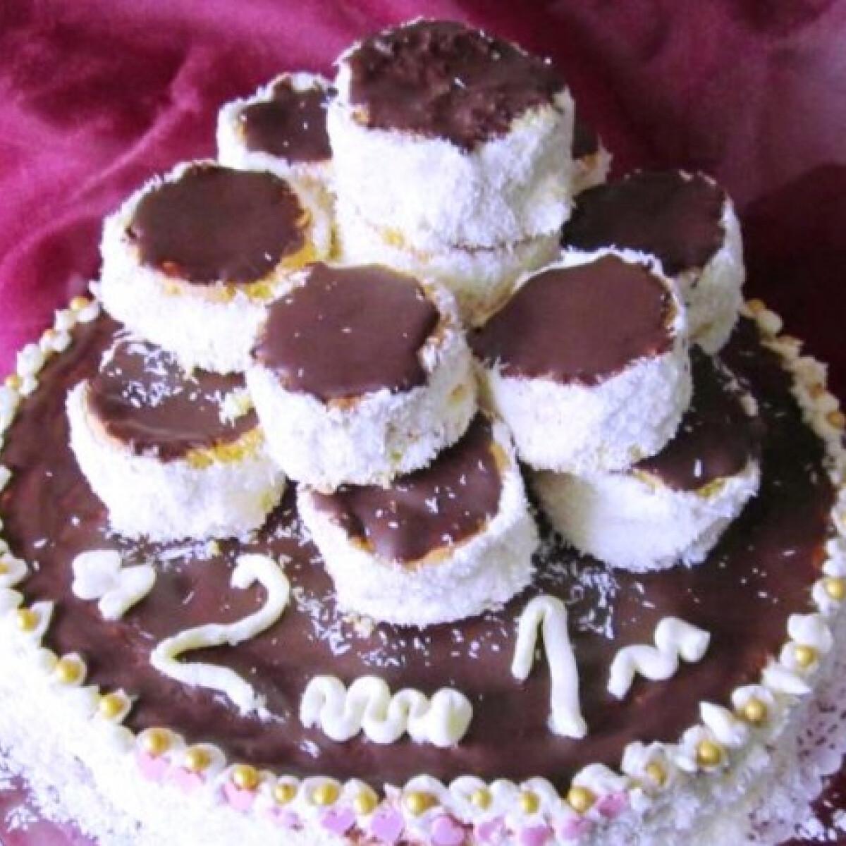 Laktózmentes hólabda torta