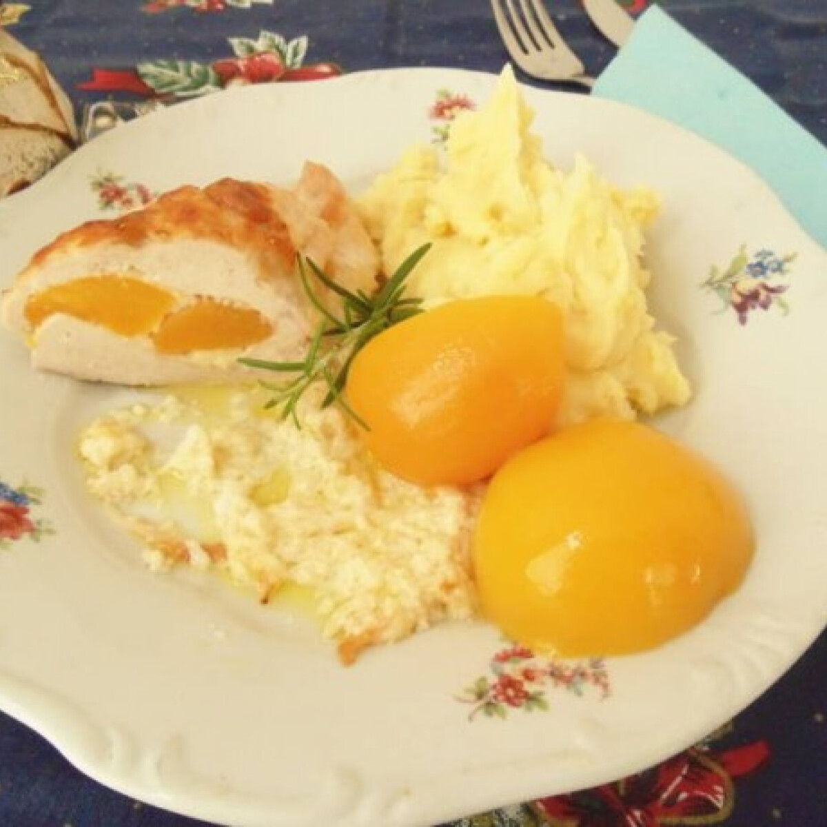 Ezen a képen: Avignoni csirkemell tejszínes burgonyapürével