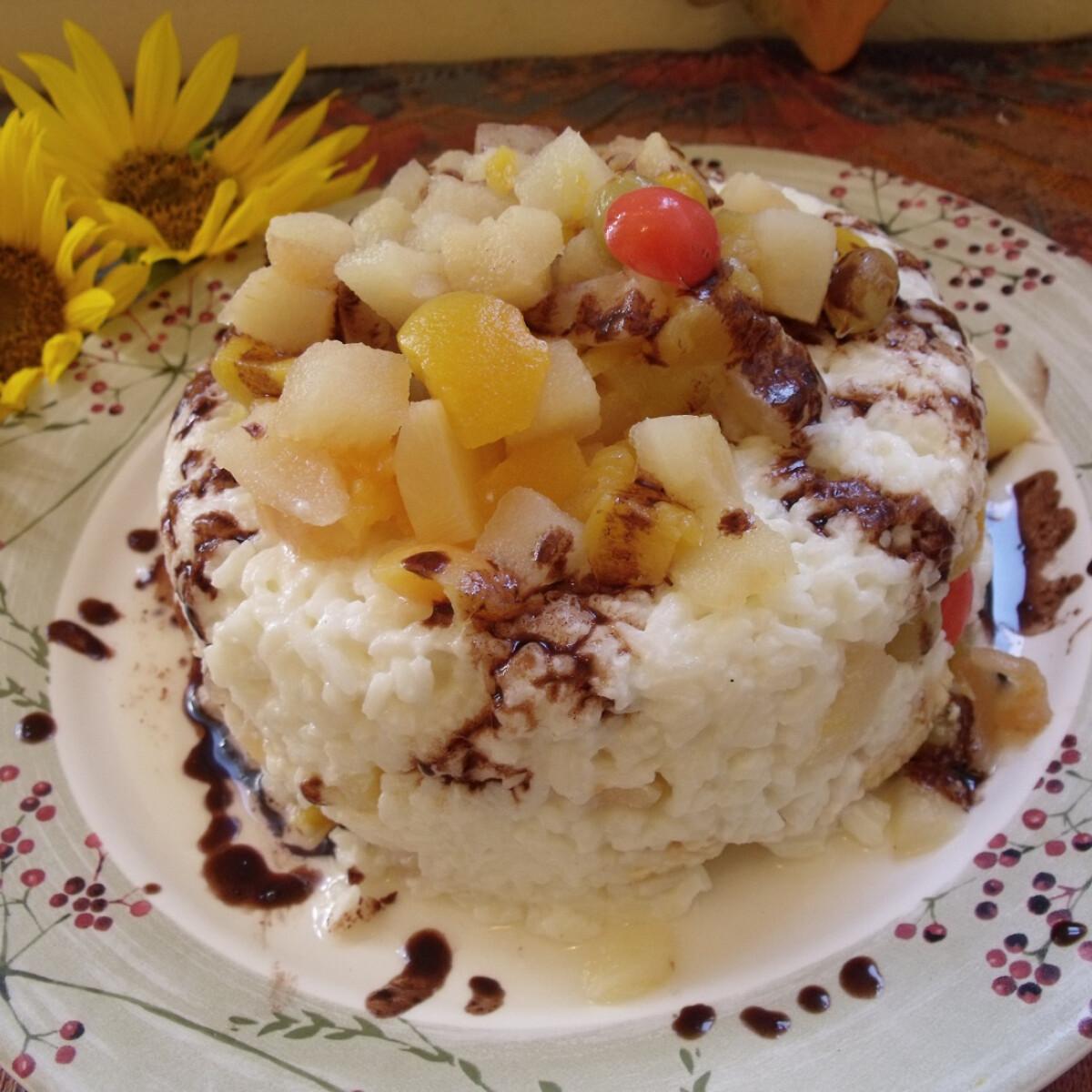 Ezen a képen: Borított trópusi gyümölcsrizs keksszel