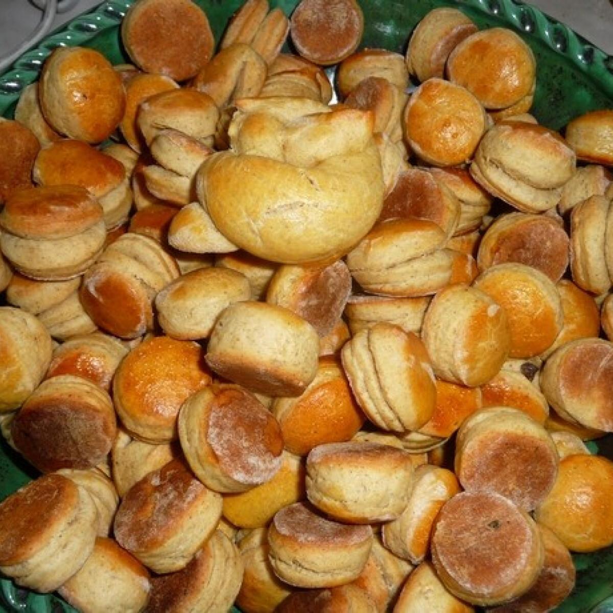 Ezen a képen: Tökmagos pogácsa zsuzsa konyhájából