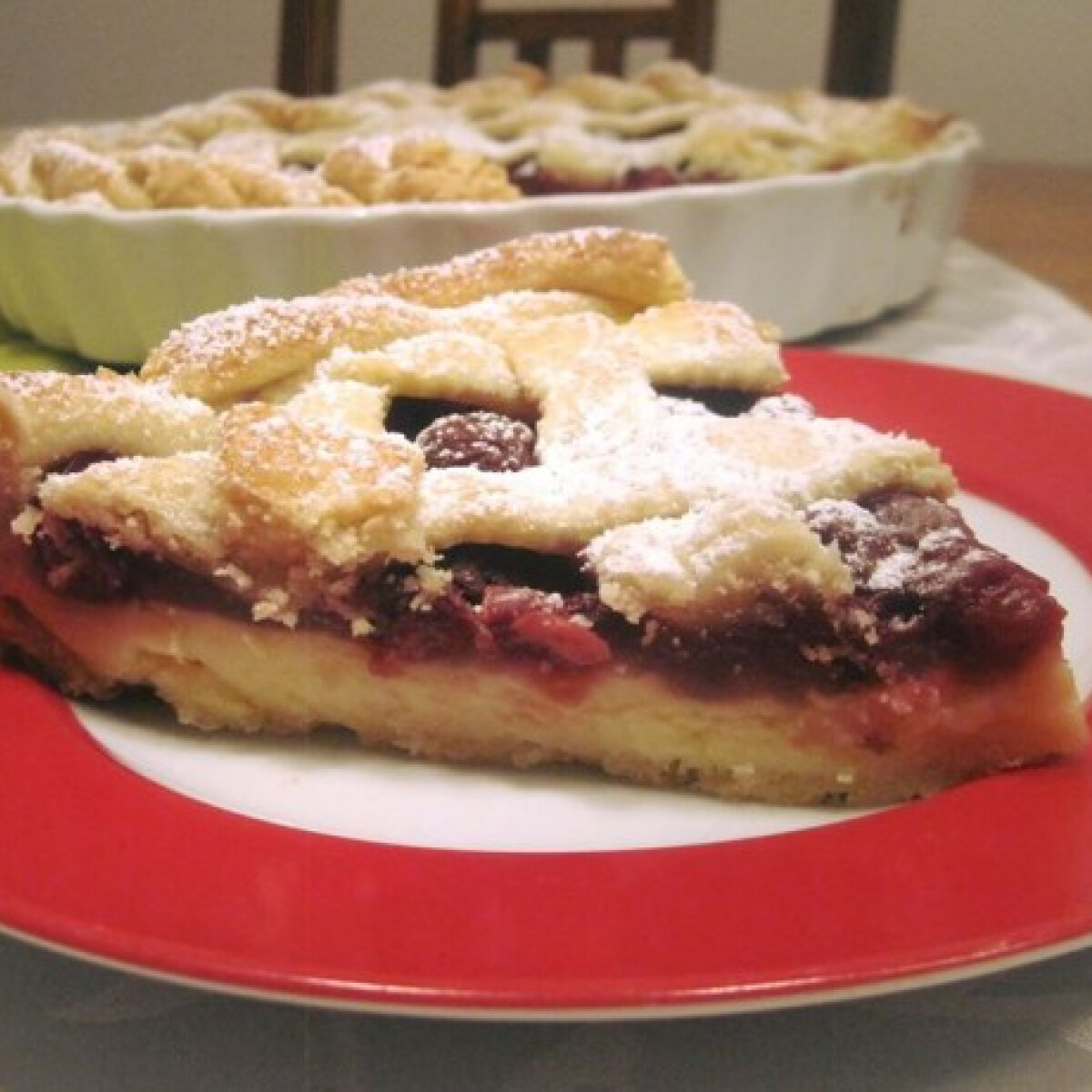 Ezen a képen: Vaníliakrémes-meggyes pite
