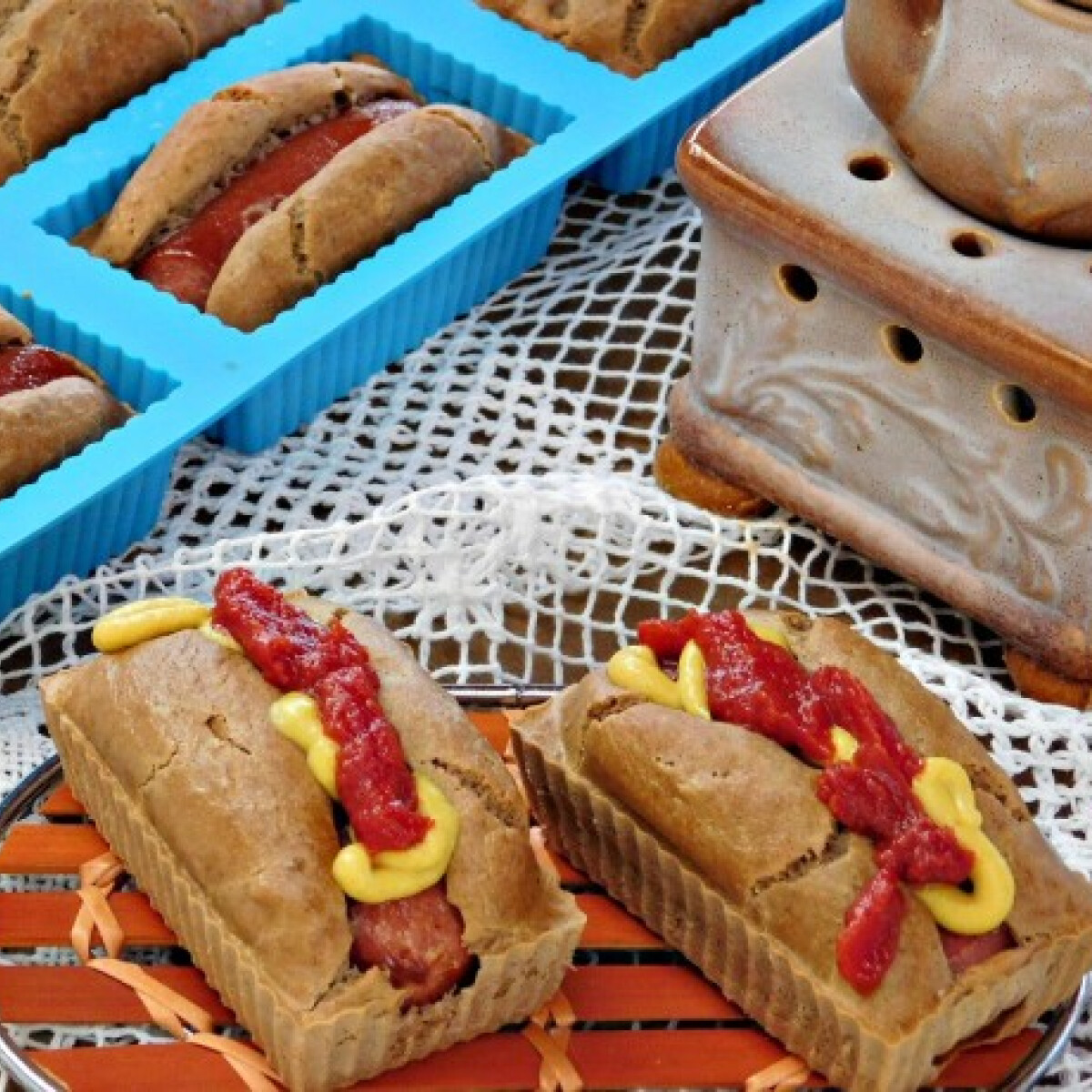 Ezen a képen: Gluténmentes hot-dog