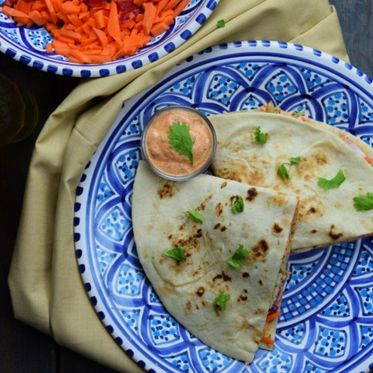 Ezen a képen: Csirkemelles tortilla