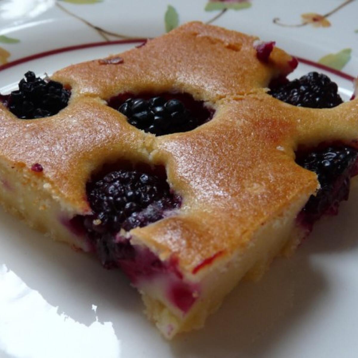 Ezen a képen: Mascarponés-gyümölcsös süti