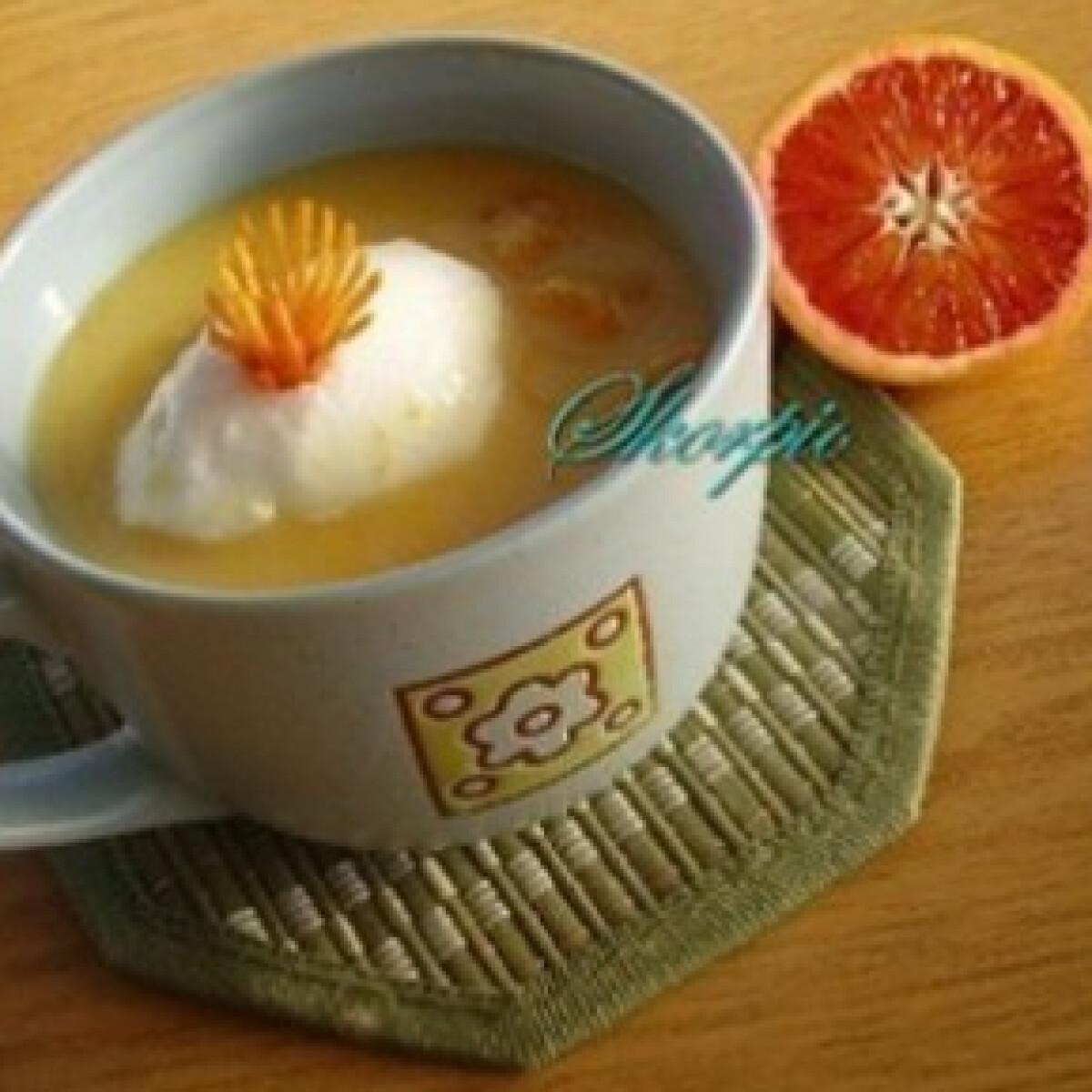 Ezen a képen: Citrusleves