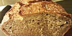 Jénaiban sült teljes kiőrlésű kenyér