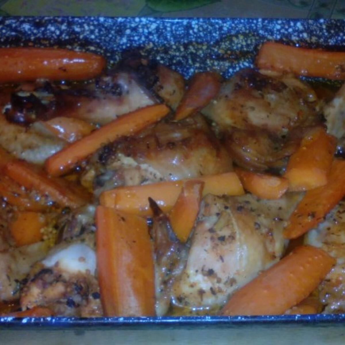 Ezen a képen: Sörben pácolt csirke répával