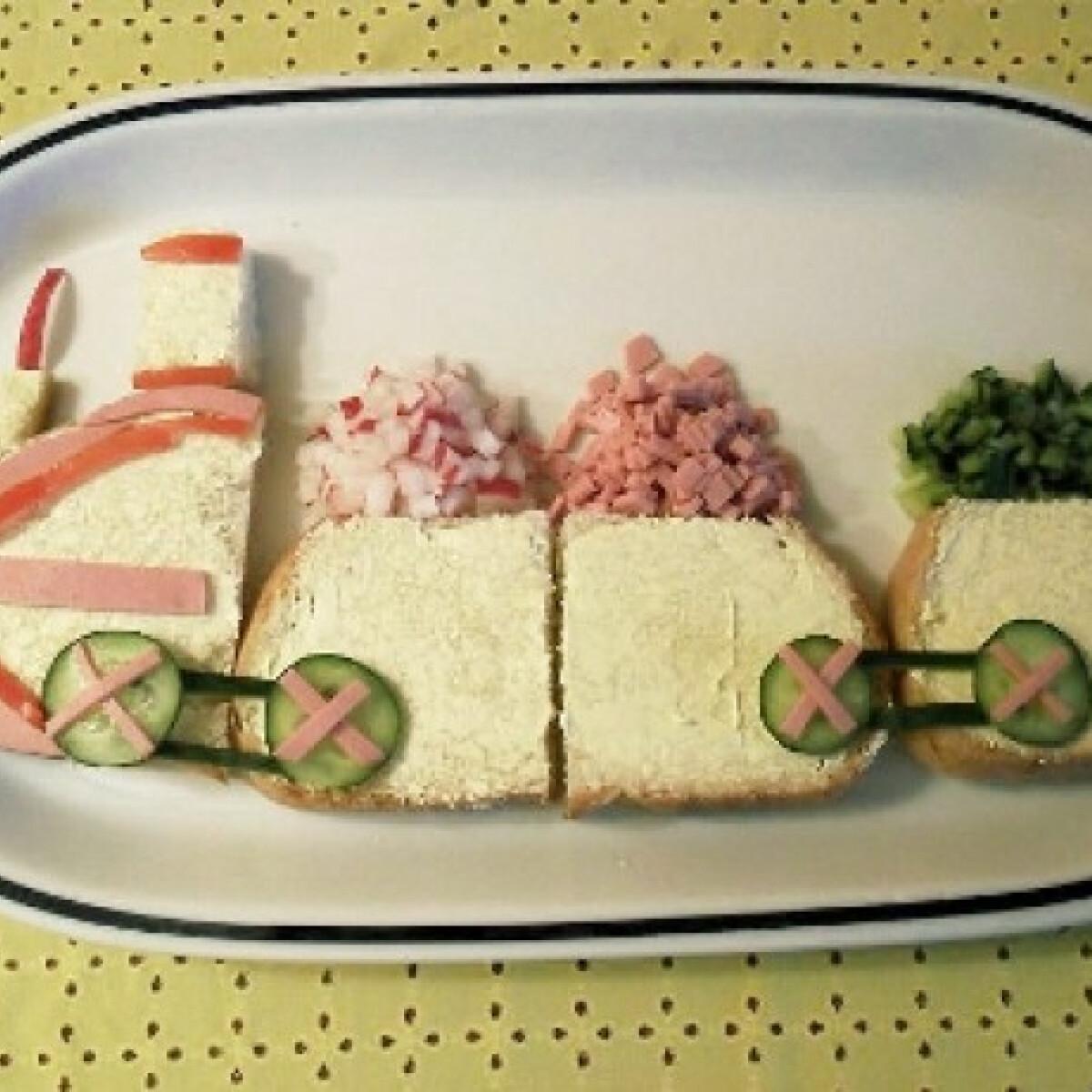Ezen a képen: Mozdony szendvics