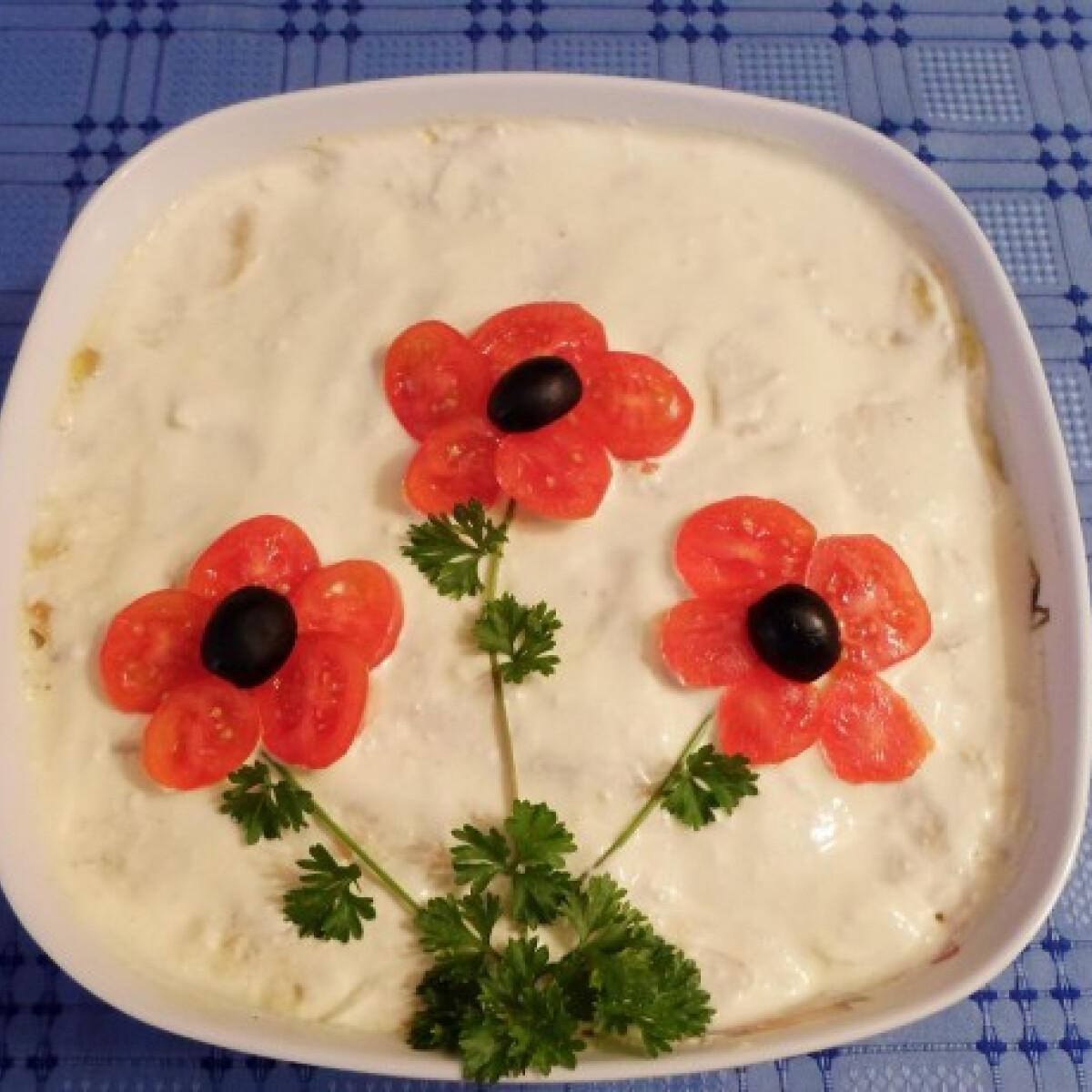 Ezen a képen: Nyári krumplisaláta Salamon Csillától