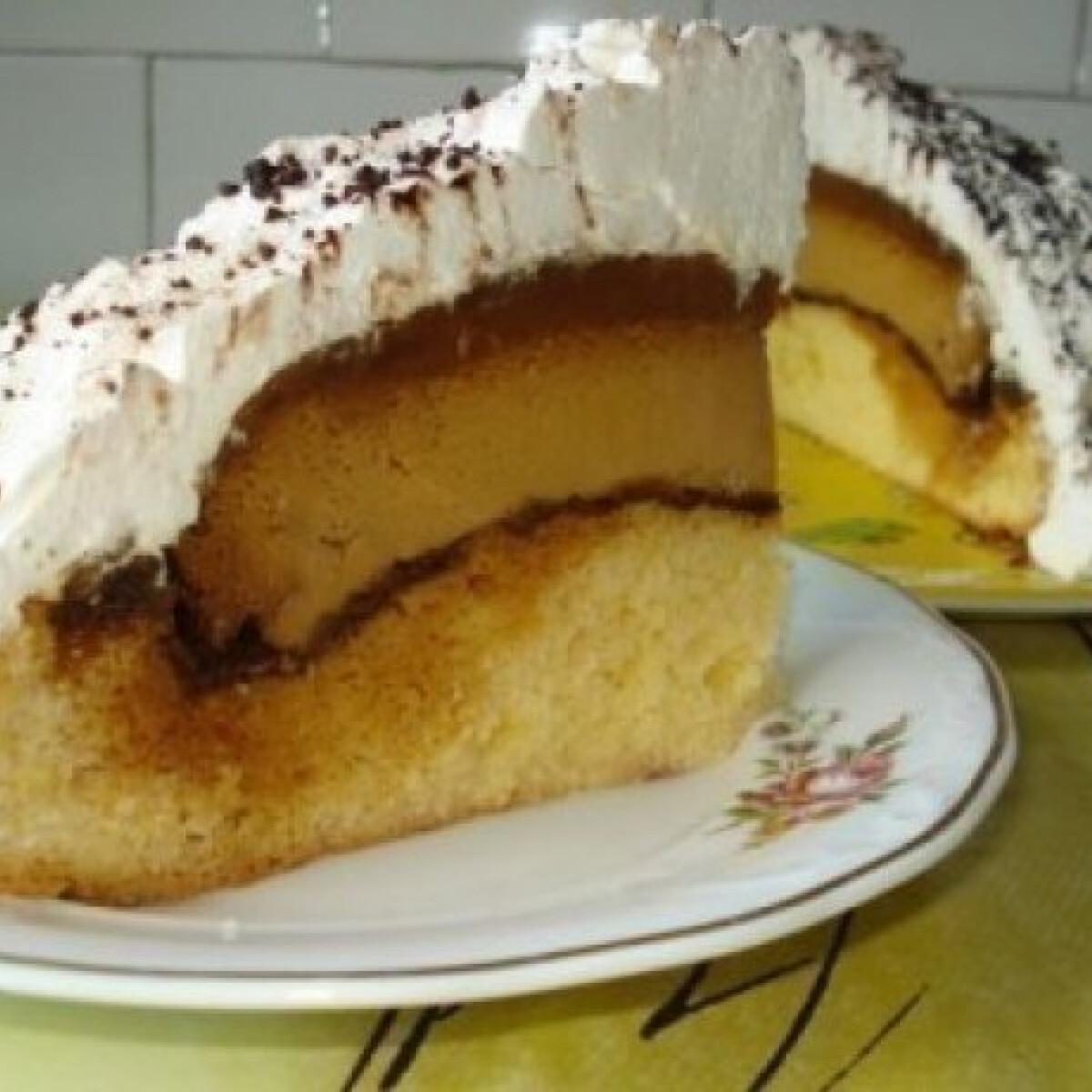 Ezen a képen: Karamellizált krémes torta