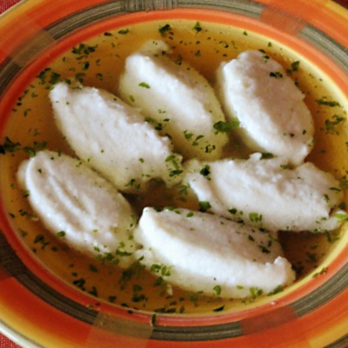 Ezen a képen: Parmezános-túrós daragaluska