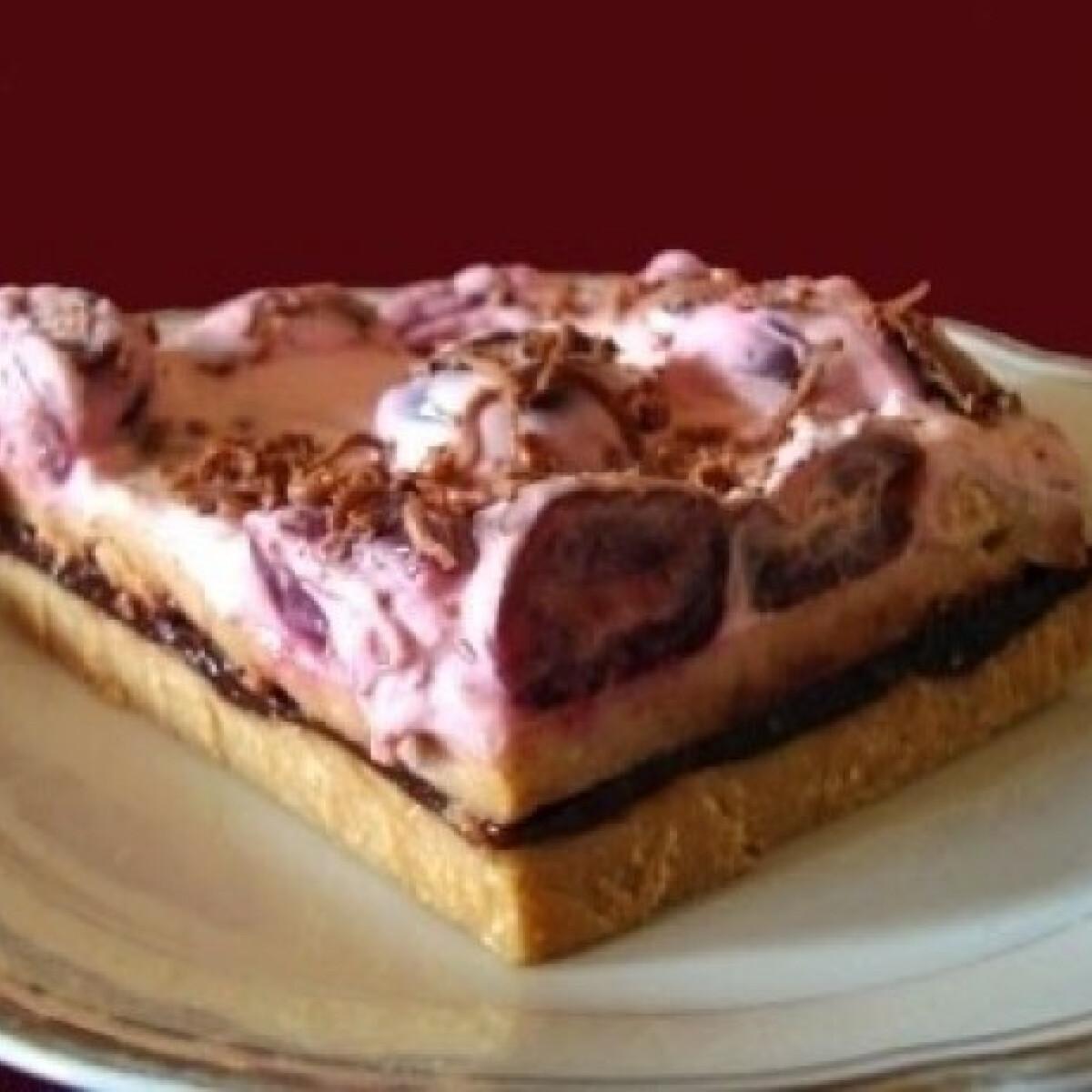 Ezen a képen: Meggyes süti -sütés nélkül