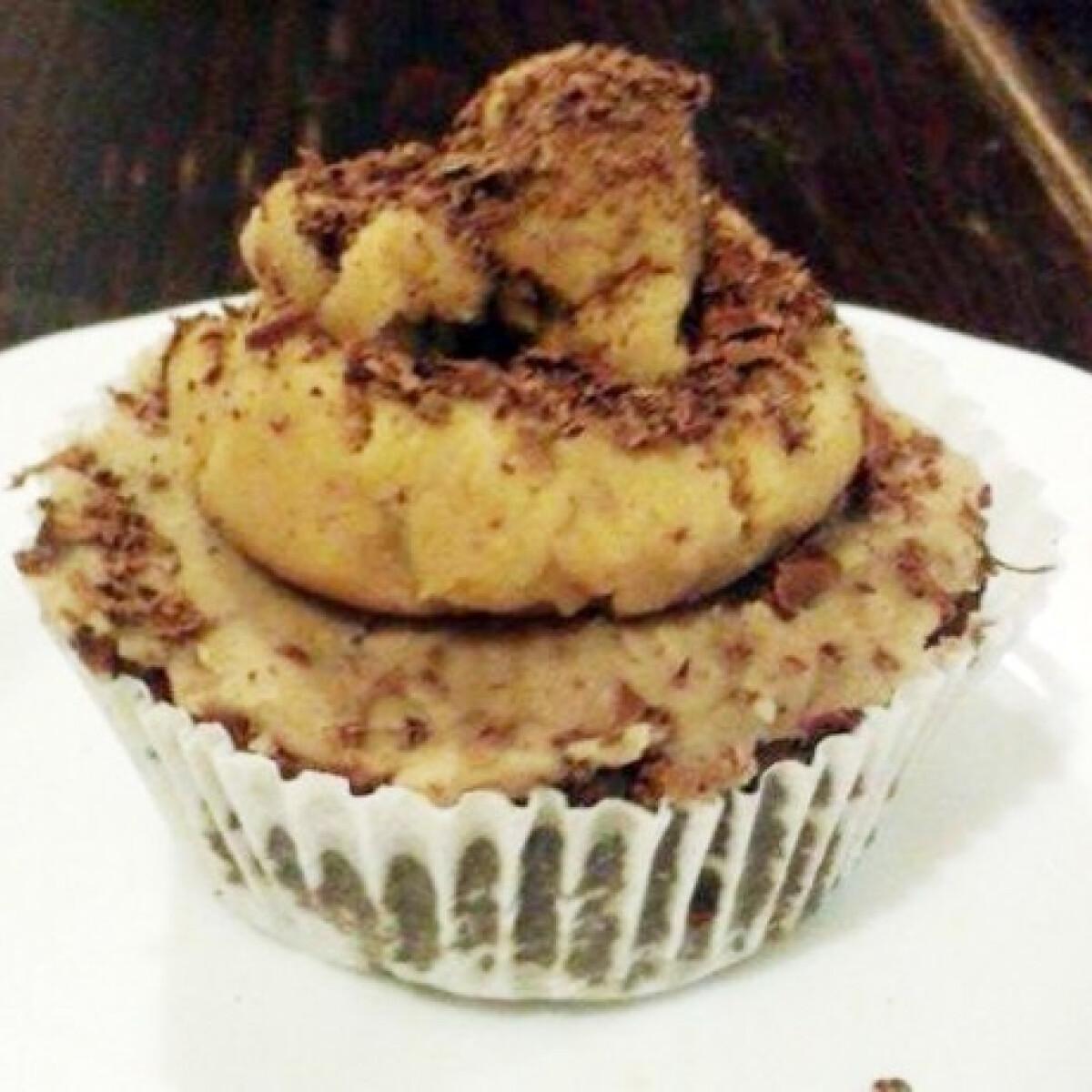 Laktózmentes sütés nélküli cupcake