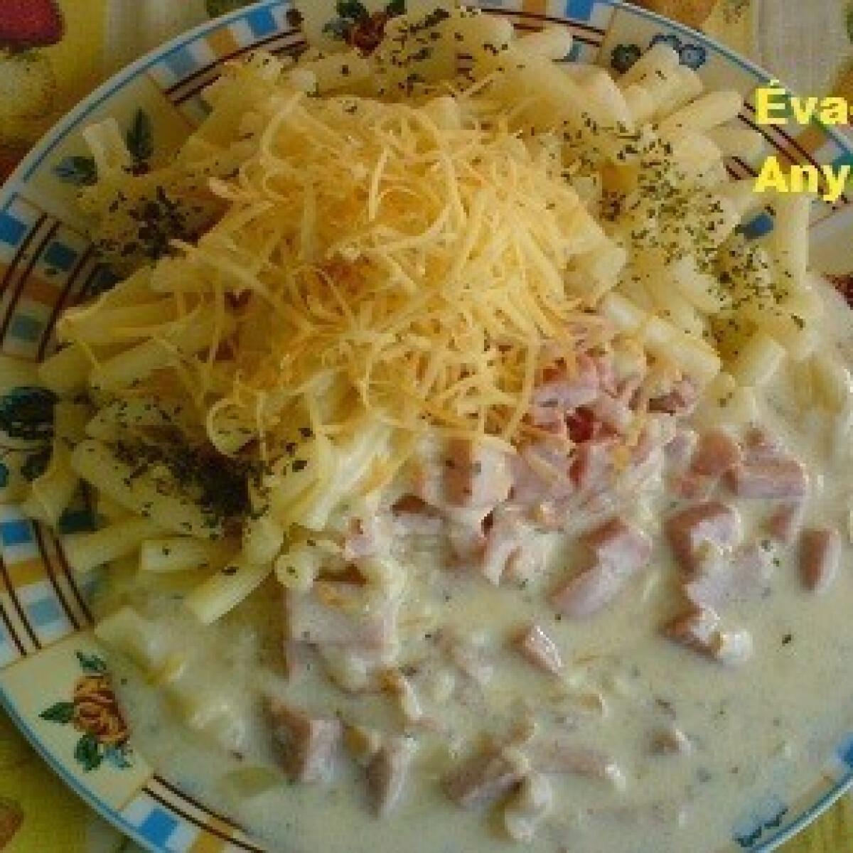 Ezen a képen: Gyors tejszínes szósz tésztával