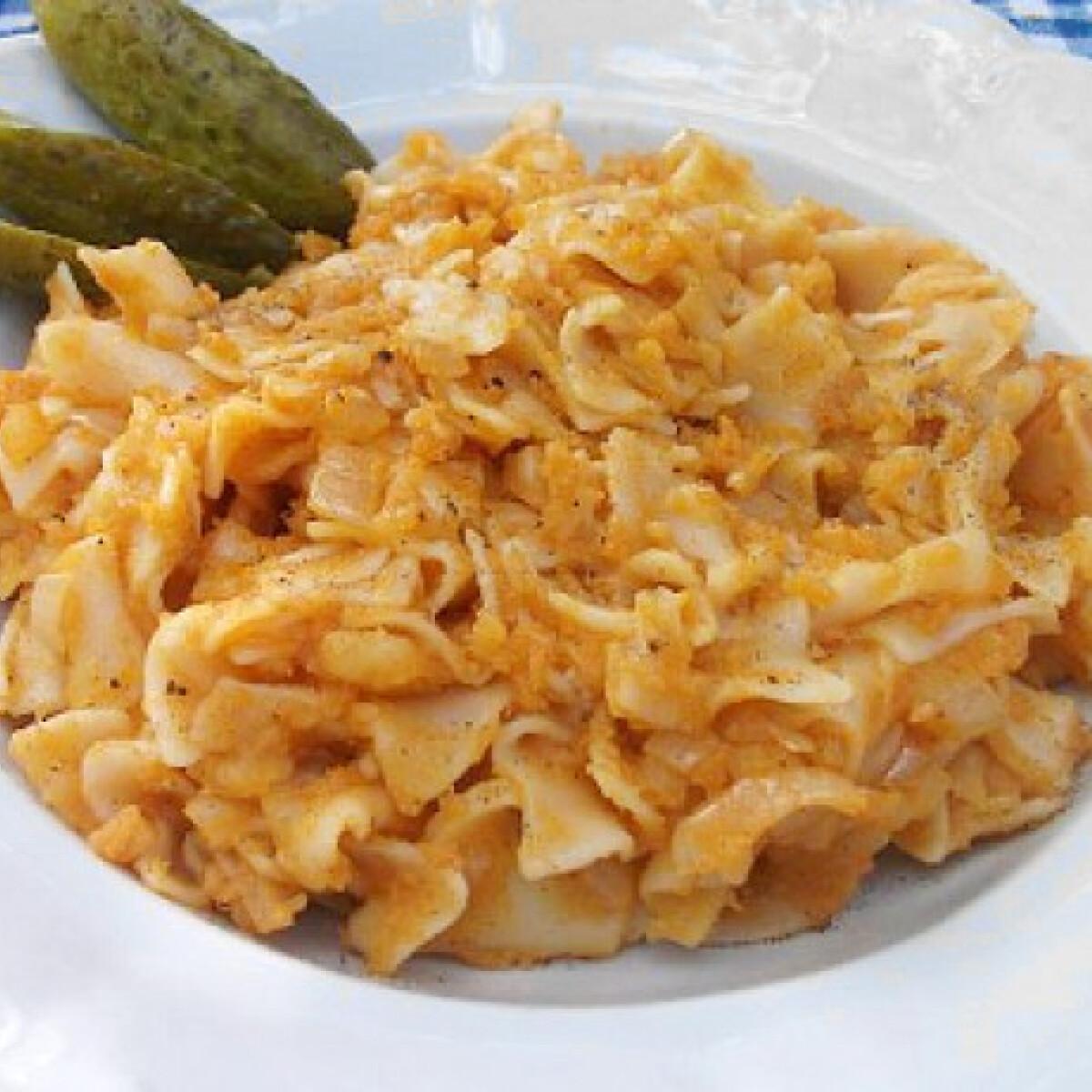 Ezen a képen: Krumplis tészta Mercedes konyhájából