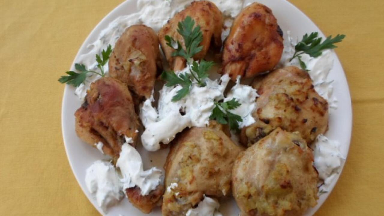 Pácolt csirkecomb kapros tejfölös mártással