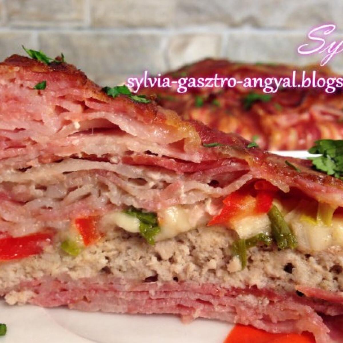 Ezen a képen: Bacontorta fűszeres darált hússal
